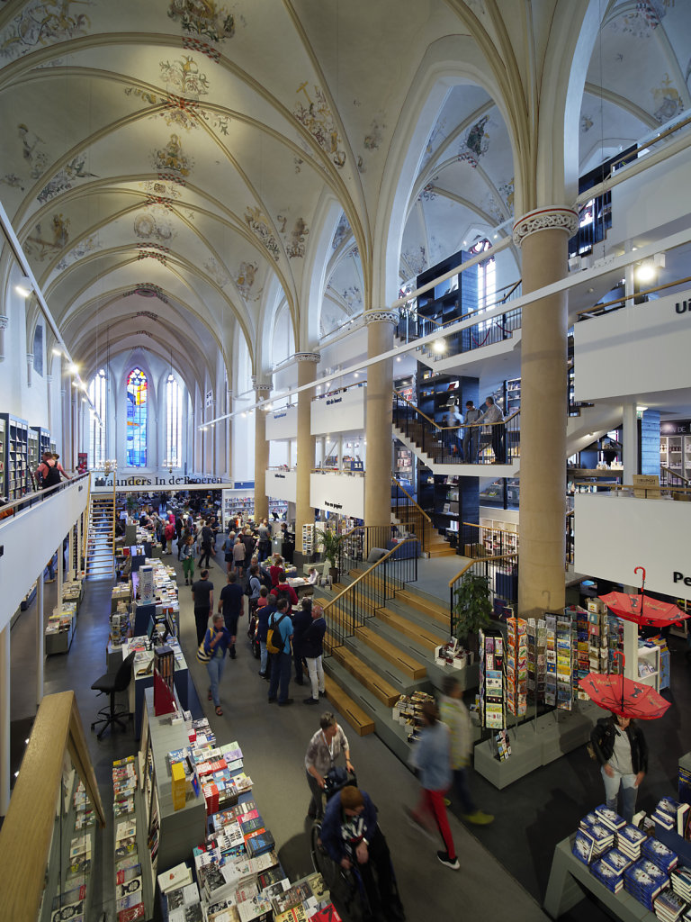 Zwolle-Buchhandlung-08.jpg